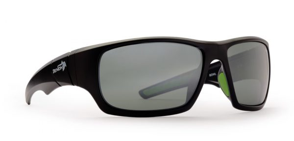 Sports sunglasses for hiking and all sports with polarized lenses