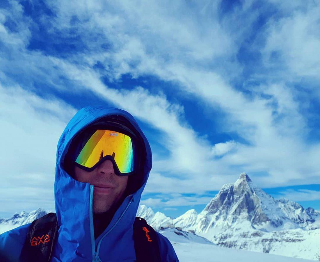 Mountaineering ski goggles with polarized lenses