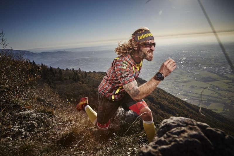 Trail running sunglasses with photochromic lenses