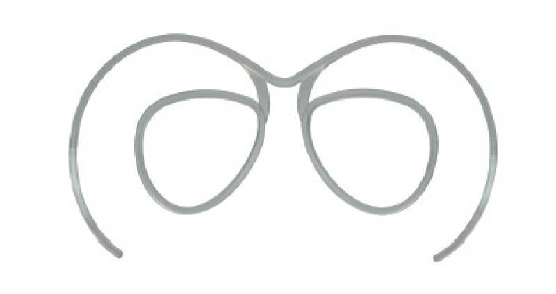 Universal optical clip for prescription lenses for all ski goggles