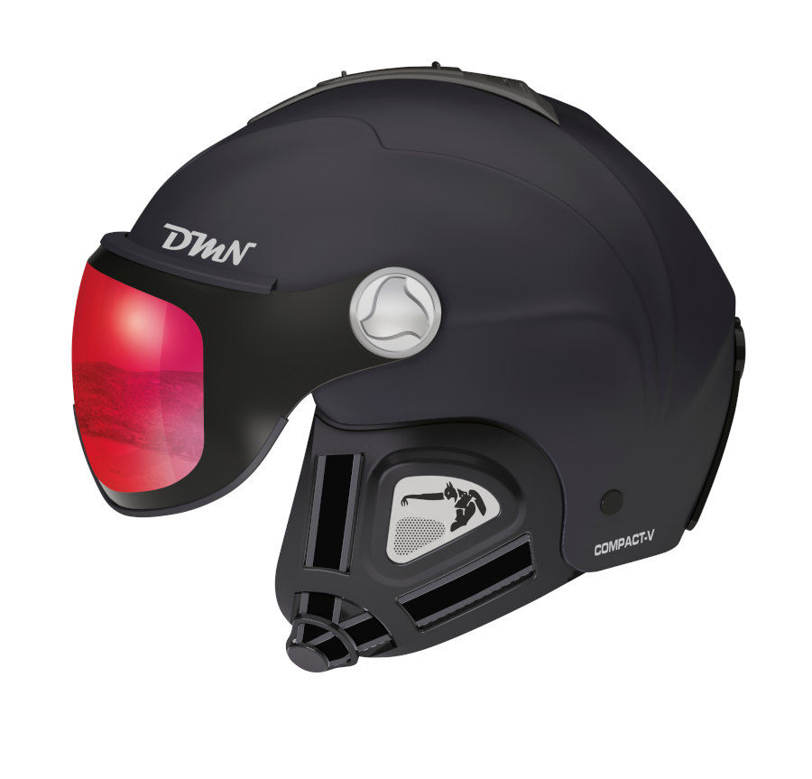 ski helmet with photochromic mirrored visor black red