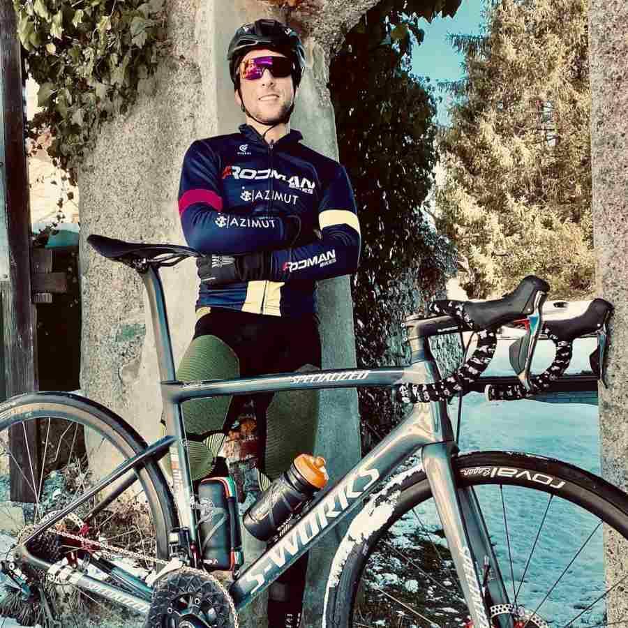 road cycling sunglasses mirrored lens performance model matt black red