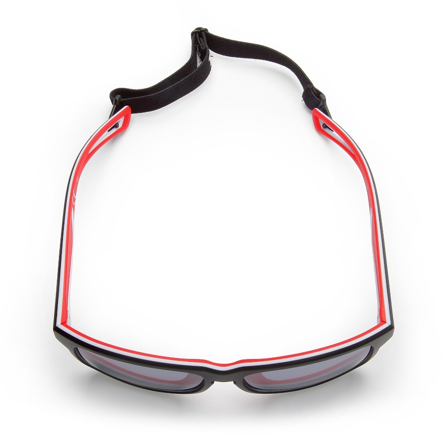 Polarized glasses for outdoor adventures