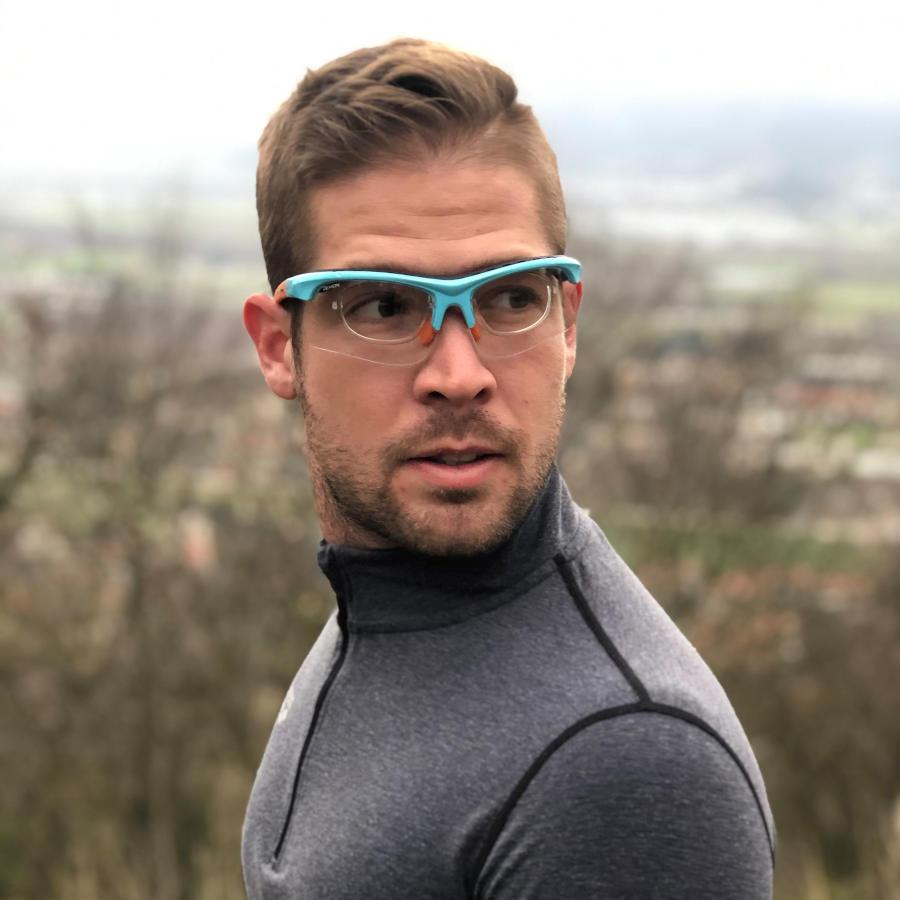 Prescription sport glasses for running and trail photochromic lenses